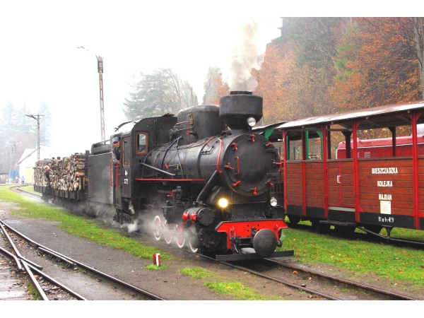 11: On the Biczaczady Railway in the Carpathians in 2013. (Photo by Jonathan Sutton)